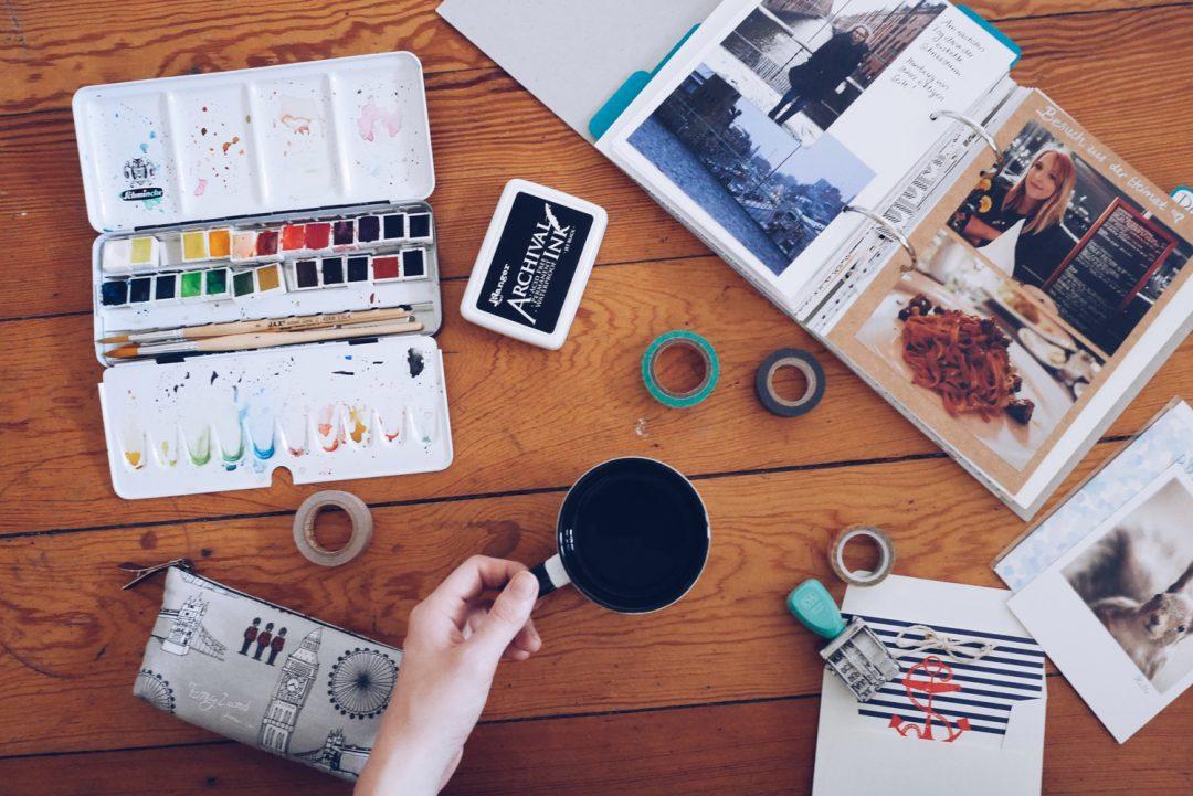 Schreibtisch Alternative: Küchentisch, Bett oder Boden