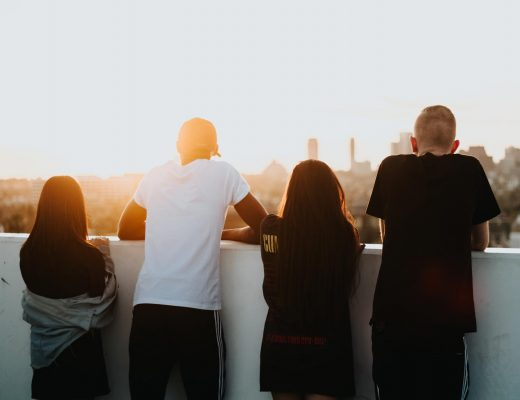 introvertiert extravertierte Freunde