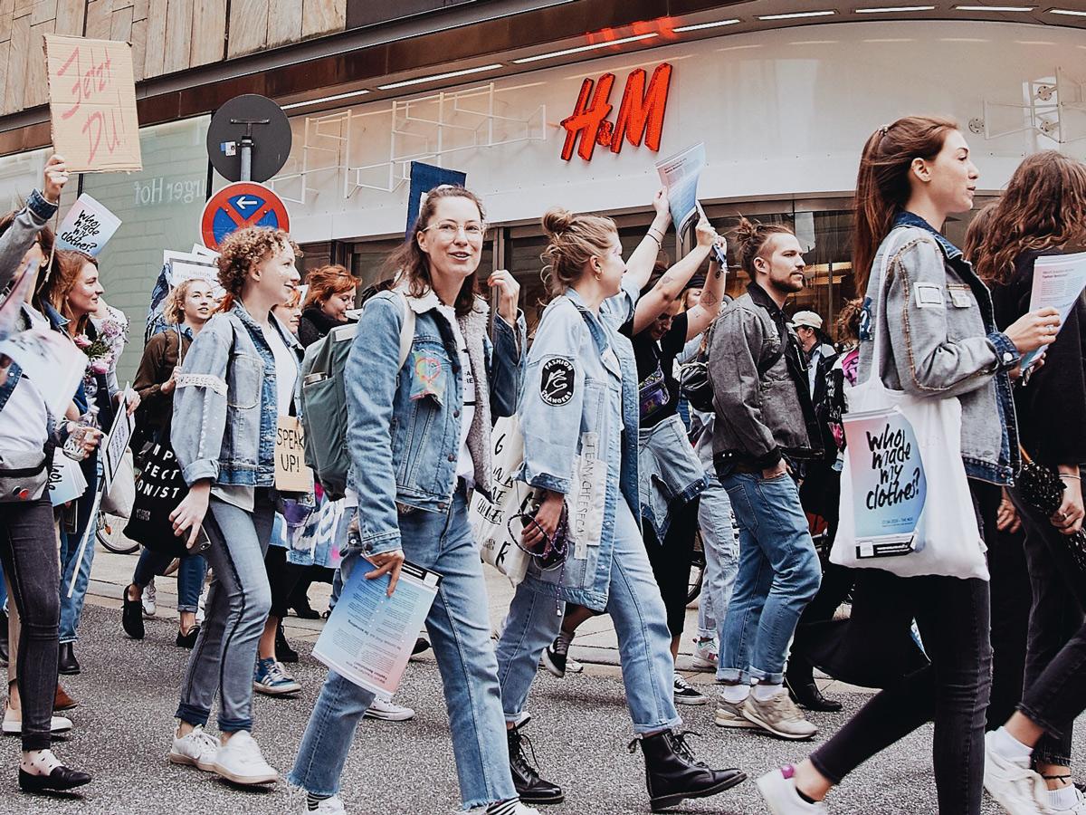 Fashion Revolution Hamburg Demo | Foto: Lena Scherer